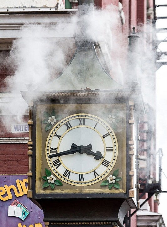 Steam Clock2