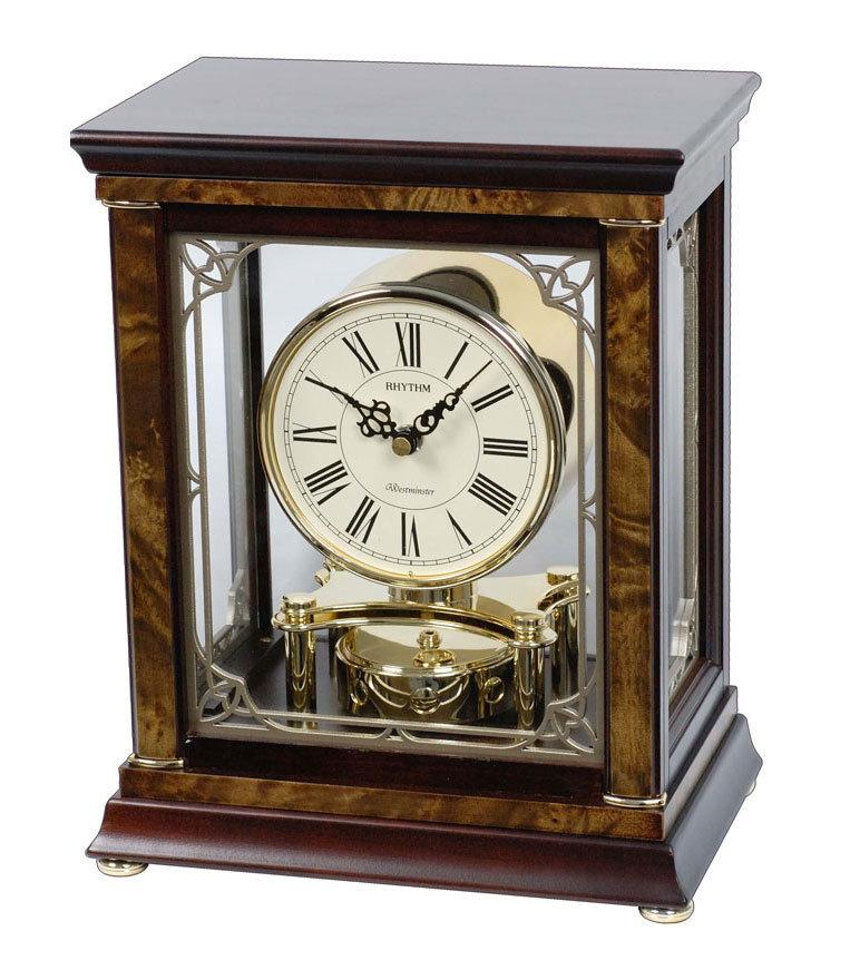 Настенные часы — важное интерьерное украшение.